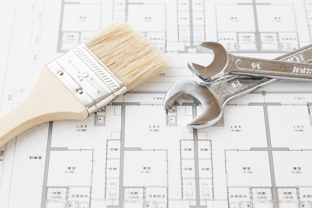 間取り図と工具